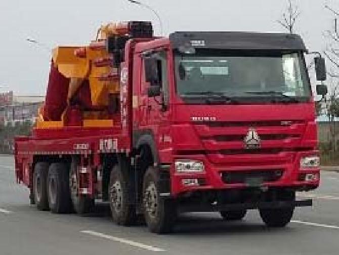 重汽前四后十200吨CLW5501JQZZ5型汽车起重机-程力威牌CLW5501JQZZ5型汽车起重机-免征: 无|燃油: 无