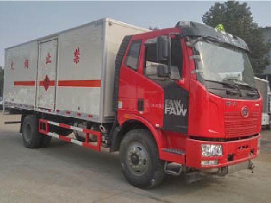 解放单桥CLW5182XRQC5型易燃气体厢式运输车-程力威牌CLW5182XRQC5型易燃气体厢式运输车-免征: 无|燃油: 无