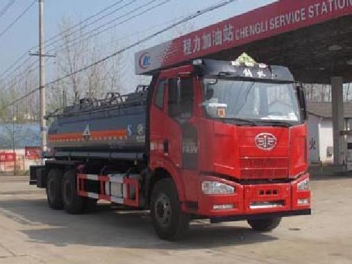 解放后八轮16方CLW5254GFWC5型腐蚀性物品罐式运输车-程力威牌CLW5254GFWC5型腐蚀性物品罐式运输车-免征: 无|燃油: 无