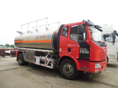 解放单桥16方CLW5180GYYLC5型铝合金运油车-程力威牌CLW5180GYYLC5型铝合金运油车-免征: 无|燃油: 无